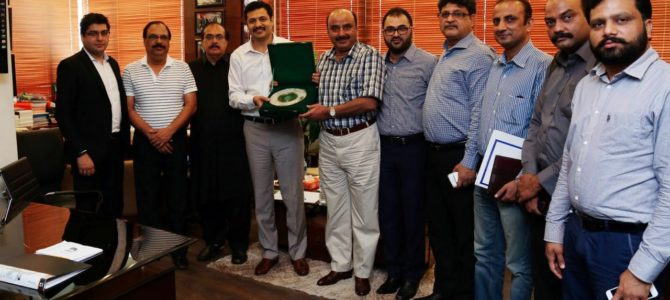 Mr . Farhan Hanif presenting Shield to SSP — ACLC Mr.Manzoor Khatian at his office today , Muhammad Sabir Shaikh, Chairman Pakistan Tajir Ittehad & APMA, M.Tariq Mughal DSP – ACLC along with other staff of ACLC, Mr.Qasim qasim including other members of Crown Group are present at the occasion